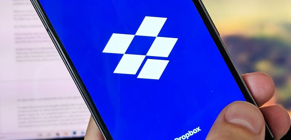 How to synchronize folders with Dropbox