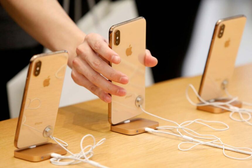 Reuters: Next Generation iPhone coming in September